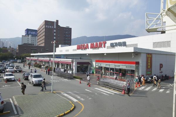 Mega Mart - Dongnae Branch (메가마트 동래점)