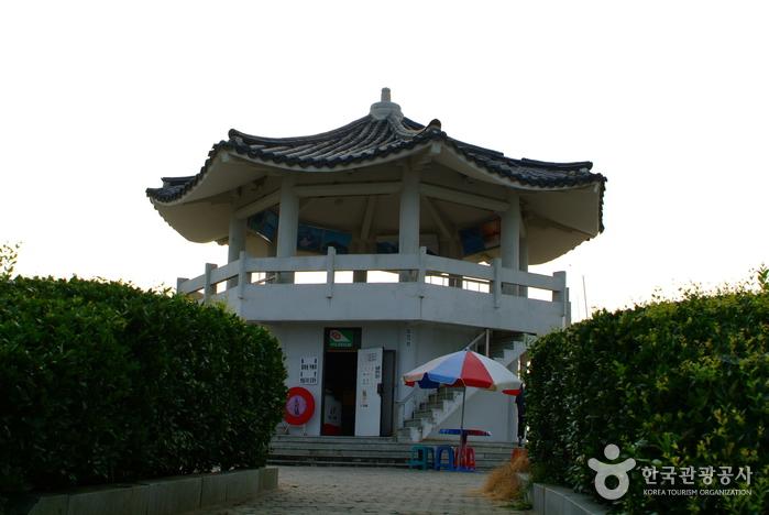 Nokjin-Observatorium (녹진전망대)