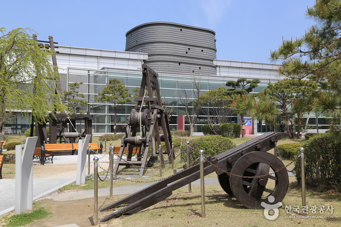 Музей крепости Хвасон в Сувоне (수원화성박물관)
