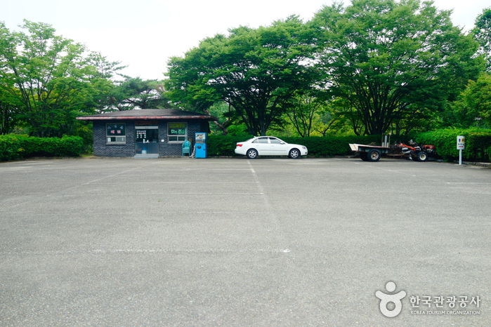 順天支石墓公園(순천 고인돌공원)
