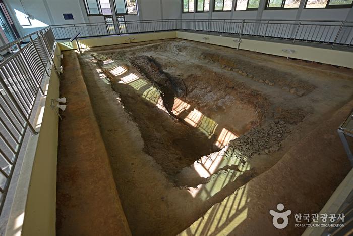 Gangjin Goryeo Celadon Museum (강진 고려청자박물관)
