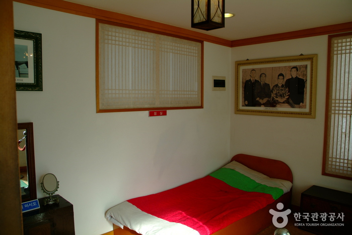 Загородный дом (дача) Ли Ги Буна (이기붕별장)7
