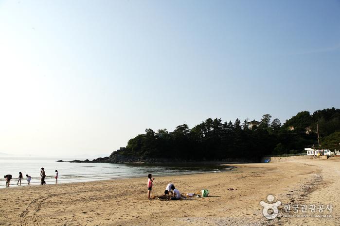 Byeonsan Beach (변산해수욕장)