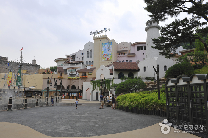 Everland Caribbean Bay ( )