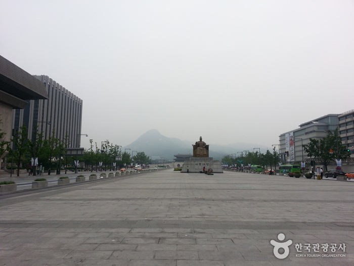 Plaza Gwanghwamun (광화문광장)15