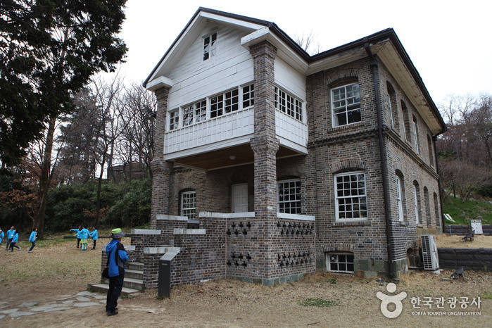 Missionary Wilson's House (우일선 선교사 사택)