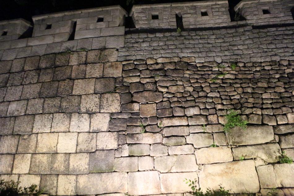 700년역사를지닌성벽