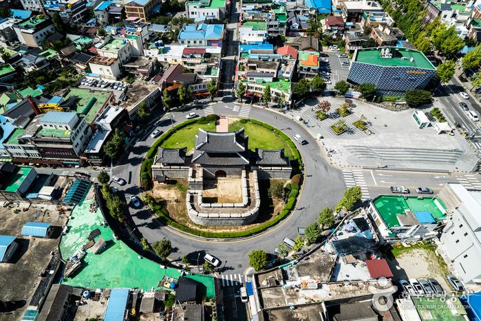 Jeonju Pungnammun Gate (전주 풍남문)