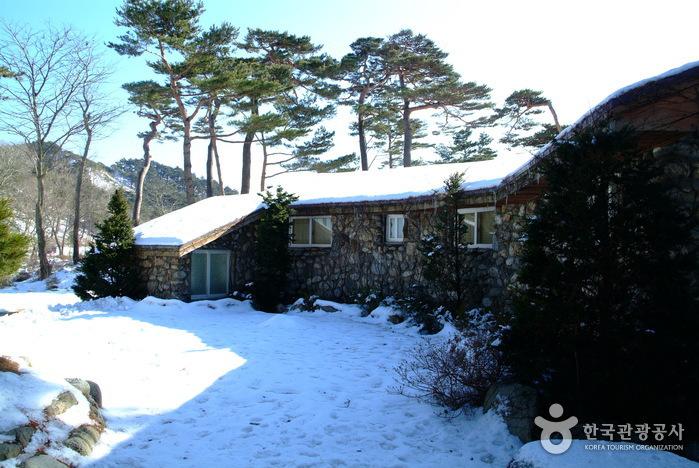 Загородный дом (дача) Ли Ги Буна (이기붕별장)8