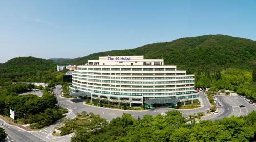 Отель The K в Кёнчжу (The-K경주호텔(구 경주교육문화회관))