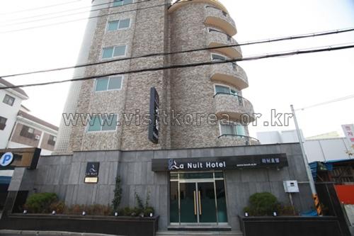 Lanuit Hotel - Goodstay (라뉘 호텔 [우수숙박시설 굿스테이])