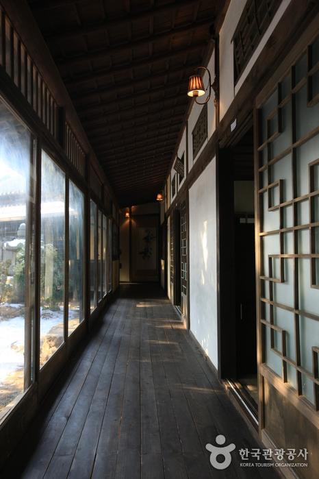 Японский традиционный дом в Кунсане (Дом Хироцу) / (군산 신흥동 일본식가옥(히로쓰 가옥)) 7