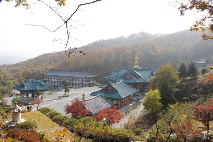 Храм Помнюнса (법륜사(용인 문수산))
