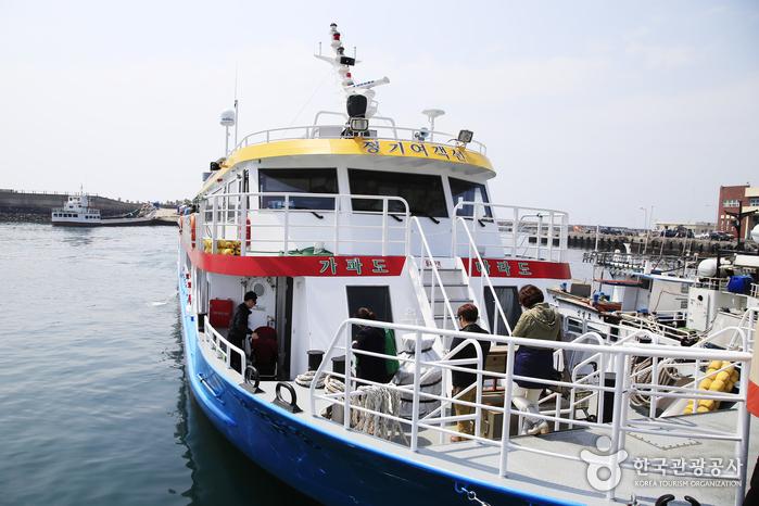 가파도 청보리축제 기간에는 여객선이 증편된다.