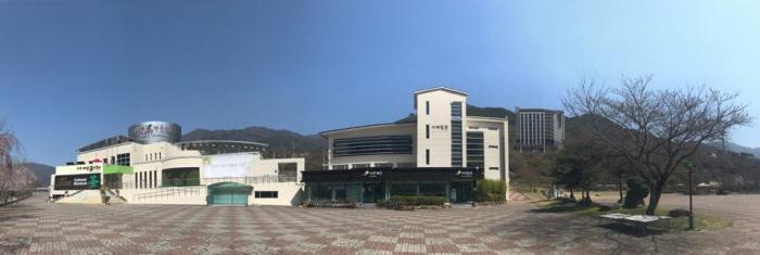 Центр чайной культуры в Хадоне (하동 차문화센터)4