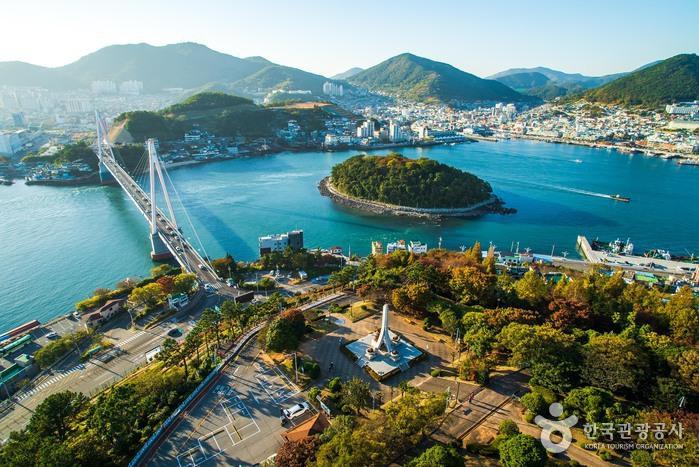 Dolsandaegyo Bridge (돌산대교)