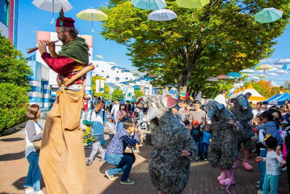 Chuncheon Puppet Festival (춘천인형극제)
