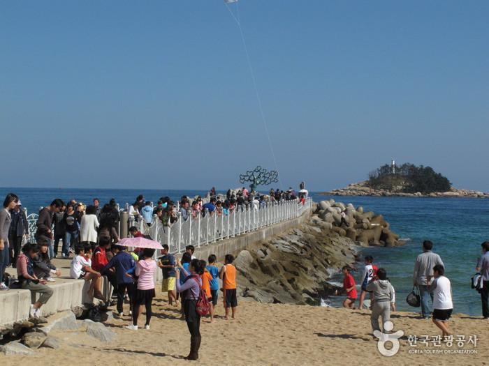 Sokcho Beach (속초해변)