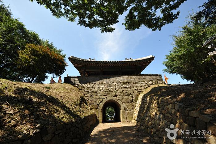 南漢山城道立公園[ユネスコ世界文化遺産](남한산성도립공원[유네스코 세계문화유산])