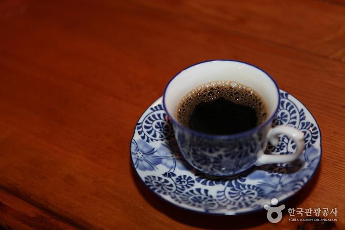 핸드 드립 커피 한잔