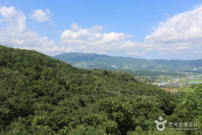 Yanggu Punch Bowl Village (Punch Bowl) (양구 펀치볼마을 (펀치볼))