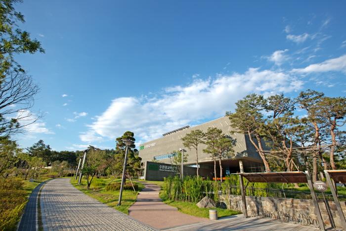 水原光教博物館(수원광교박물관)