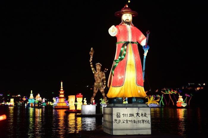 Фестиваль фонарей на реке Намган в Чинчжу (남강유등축제)6