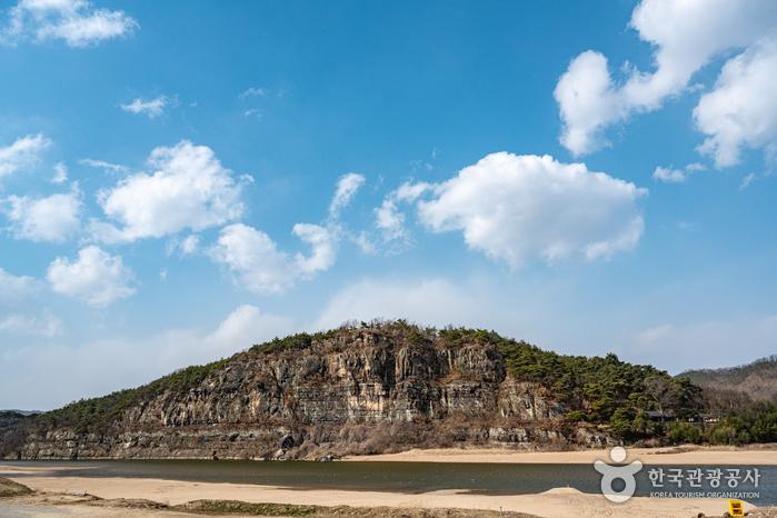 Felswand Buyongdae (부용대)