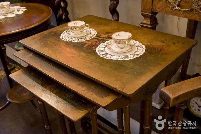 Galerie d'Antiquités Harrods (해롯 앤틱 갤러리)