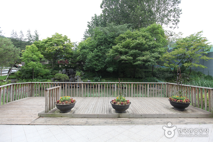 Gwanaksan Mountain Nakseongdae Park (관악산 낙성대공원)