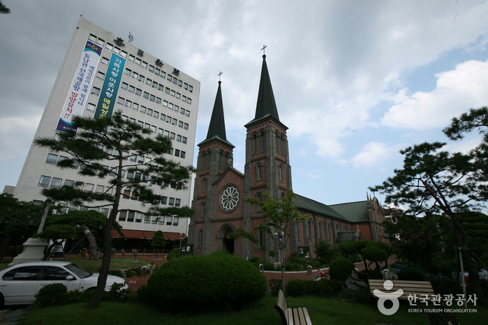 Daegu Gyesan Catholic Church (대구 계산동 성당)
