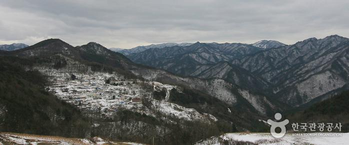 구름이 모이는 마을, 광부의 길과 황금폭포 '영월 모운동' 사진