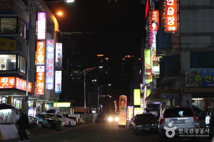 民楽刺身タウン(민락회타운)