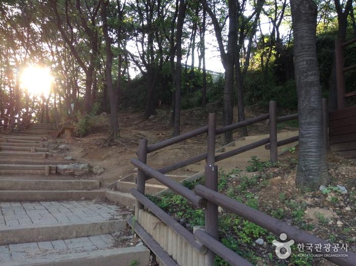 Gyeyangsan Mountain (계양산)