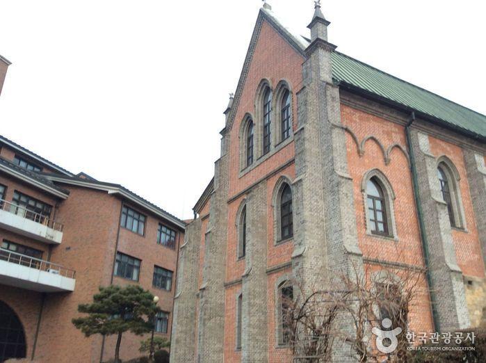 서울 용산신학교와 원효로 예수성심성당