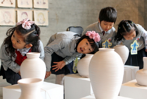Cheongju International Craft Biennale (청주국제공예비엔날레)