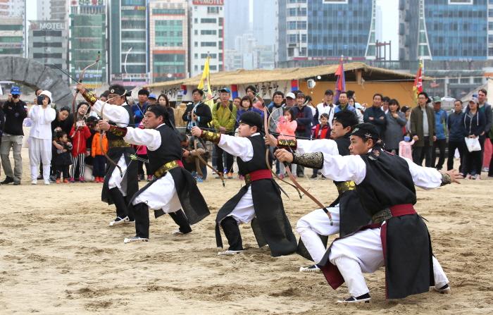 Gwangalli Eobang Festival (광안리 어방축제)