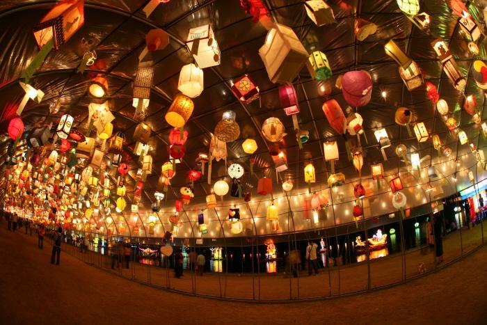 Фестиваль фонарей на реке Намган в Чинчжу (남강유등축제)5