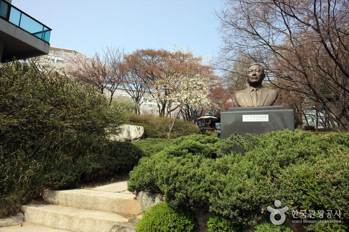 Художественная галерея Сонгок (성곡미술관)2