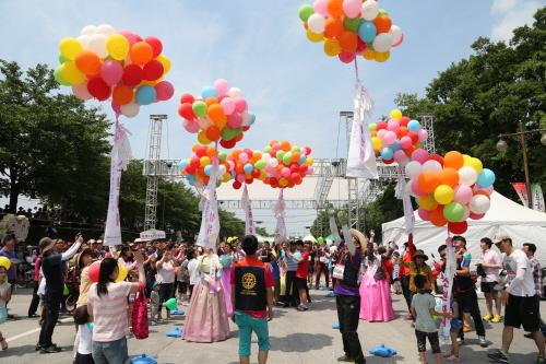 Namwon Chunhyang Festival (남원 춘향제)