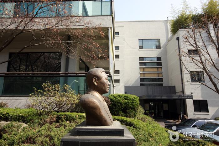 Художественная галерея Сонгок (성곡미술관)3