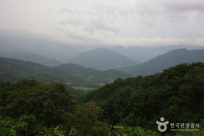 Cheonwangbong Peak of Jirisan National Park (지리산 천왕봉)