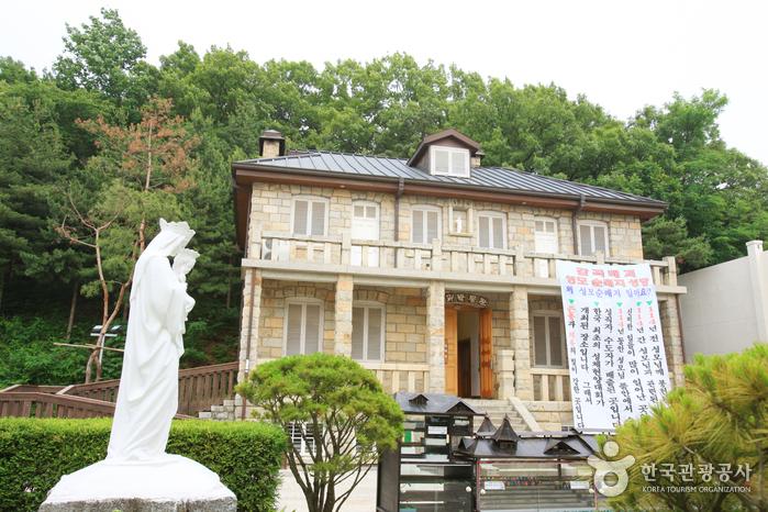 玫瑰博物館(매괴박물관)