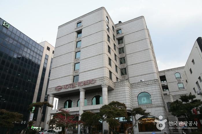 Staz Hotel Jeju Robero Hotel (스타즈 호텔 제주 로베로(구 로베로호텔))