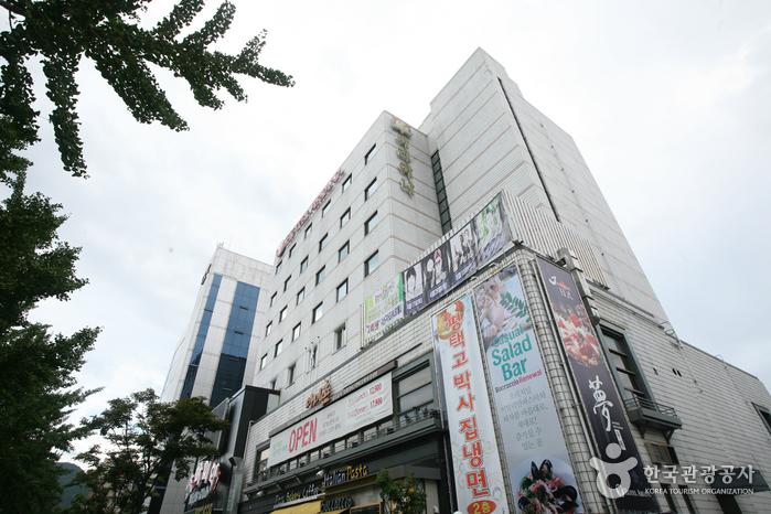 Hotel Ariana (호텔 아리아나)