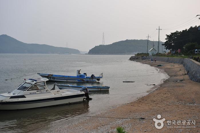 Geojampo Beach (거잠포해변)
