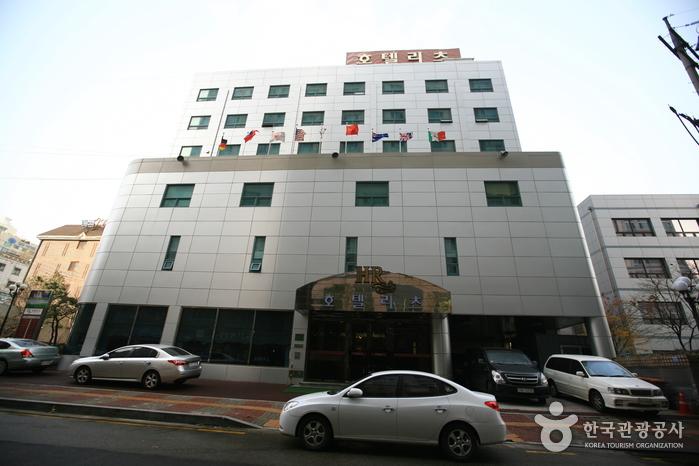 Hotel Ritz (호텔리츠)