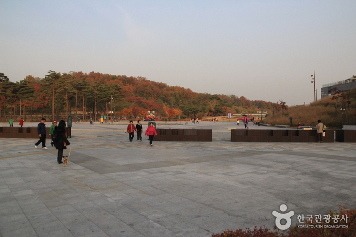 Dream Forest Art Center (꿈의숲 아트센터)