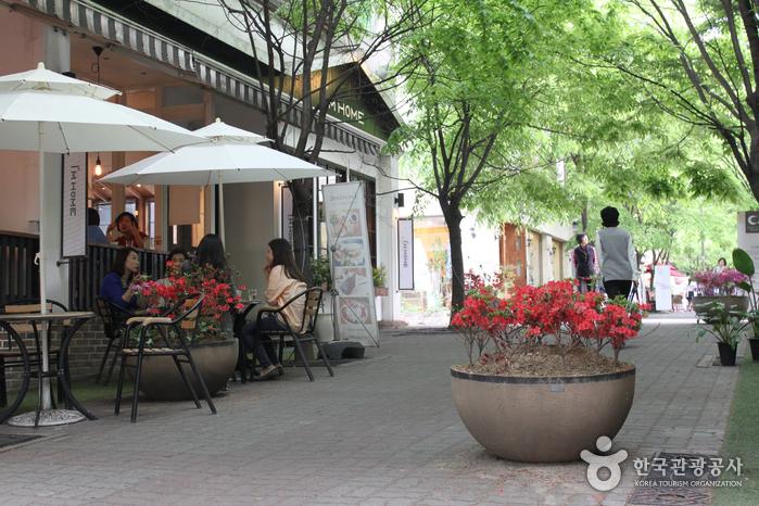 Straßencafés im Viertel Jukjeon-dong (죽전카페거리)
