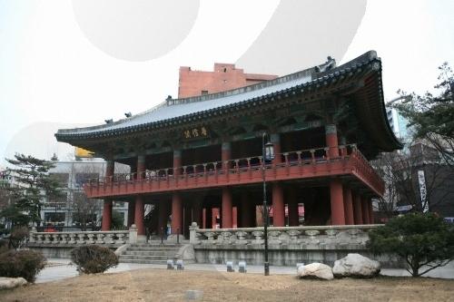 Колокольня Посингак (보신각터)